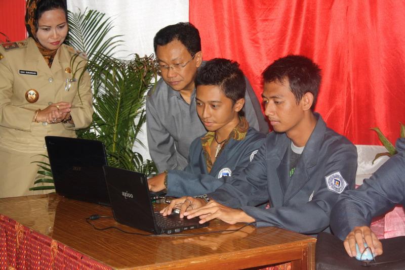Pembukaan English Camp & SEA Cyber Classroom Salatiga 25 Mei 2010 - Disaksikan oleh Dirjen Diknas dan Walikota Salatiga